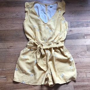 NWOT Old Navy Yellow Floral Short Romper Size S
